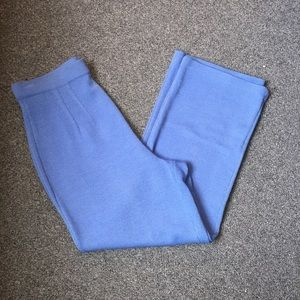 St. John Knit Light Powder Blue Capri Pants